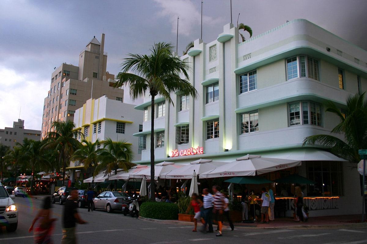 The Carlyle, immeuble art déco sur Ocean Drive