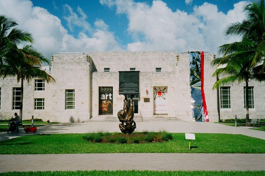 The Bass est un musée d'art contemporain situé à Miami Beach